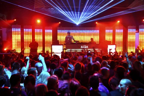 Top 10 nightclubs in playa del ingl s touristeye for Club inside motor city casino