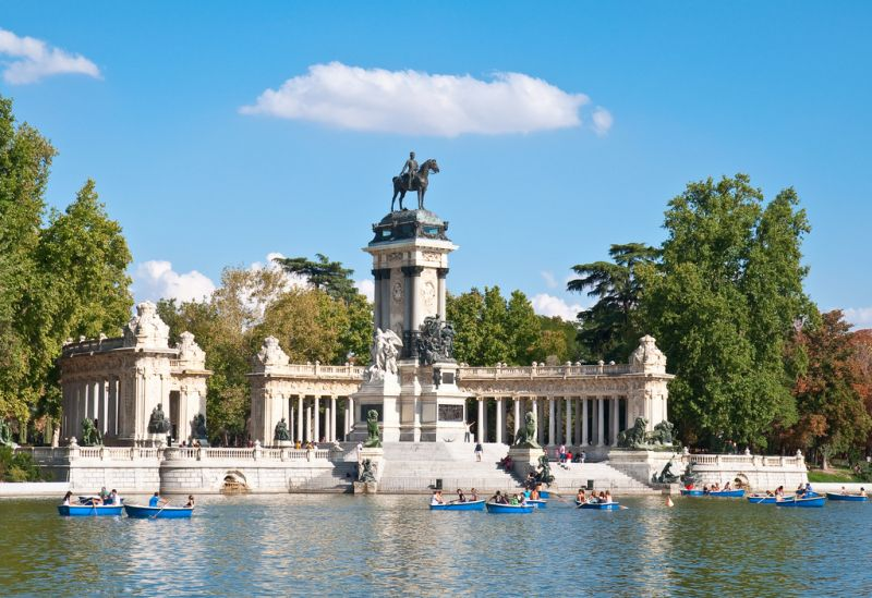 Retiro park madrid spain touristeye for Parques de madrid espana